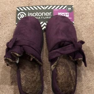 Isotopes Memory Foam Slippers, size 6.5-7